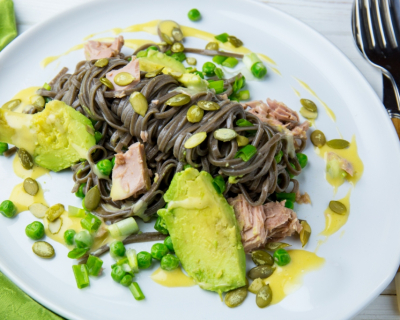 Зеленое настроение: 4 нестандартных рецепта с авокадо от Евгения Клопотенко-430x480