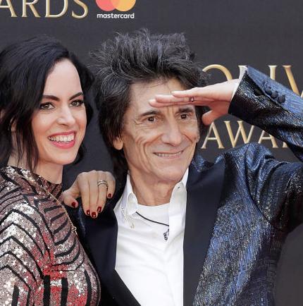 71-летний гитарист The Rolling Stones опять планирует стать отцом-430x480
