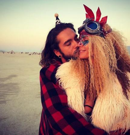 Burning Man: Как Алессандра Амбросио и Хайди Клум веселились на фестивале-430x480