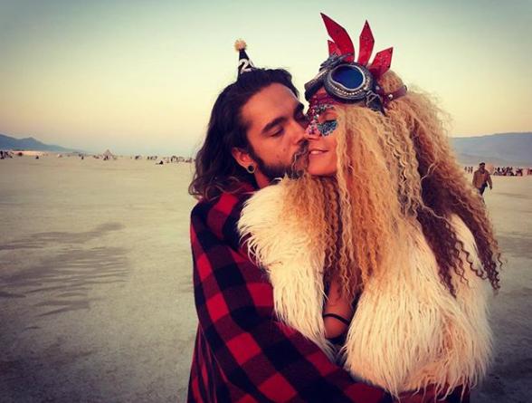 Burning Man: Как Алессандра Амбросио и Хайди Клум веселились на фестивале-Фото 1