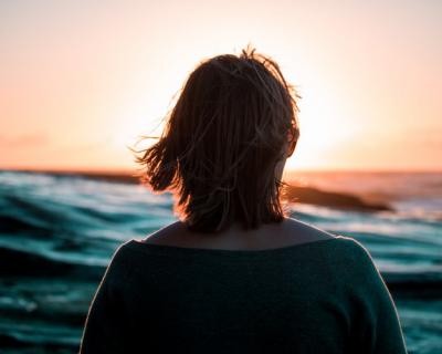 Оазис спокойствия: как начать медитировать и зачем?-430x480