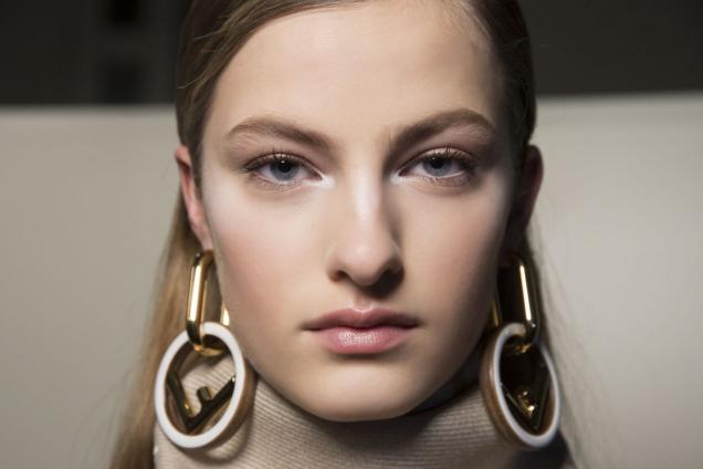Сияющая красота: средства для эффекта glow-skin