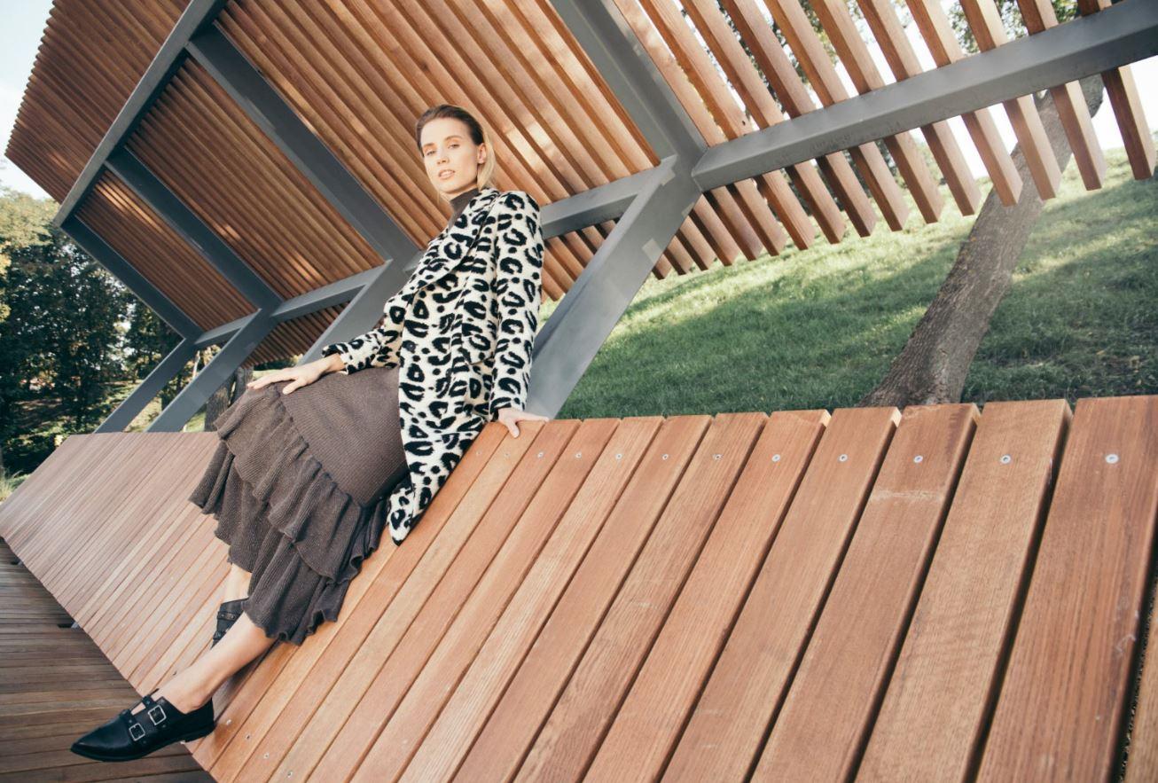 Девушка, пальто, город: 10 трендов этой осени-Фото 2