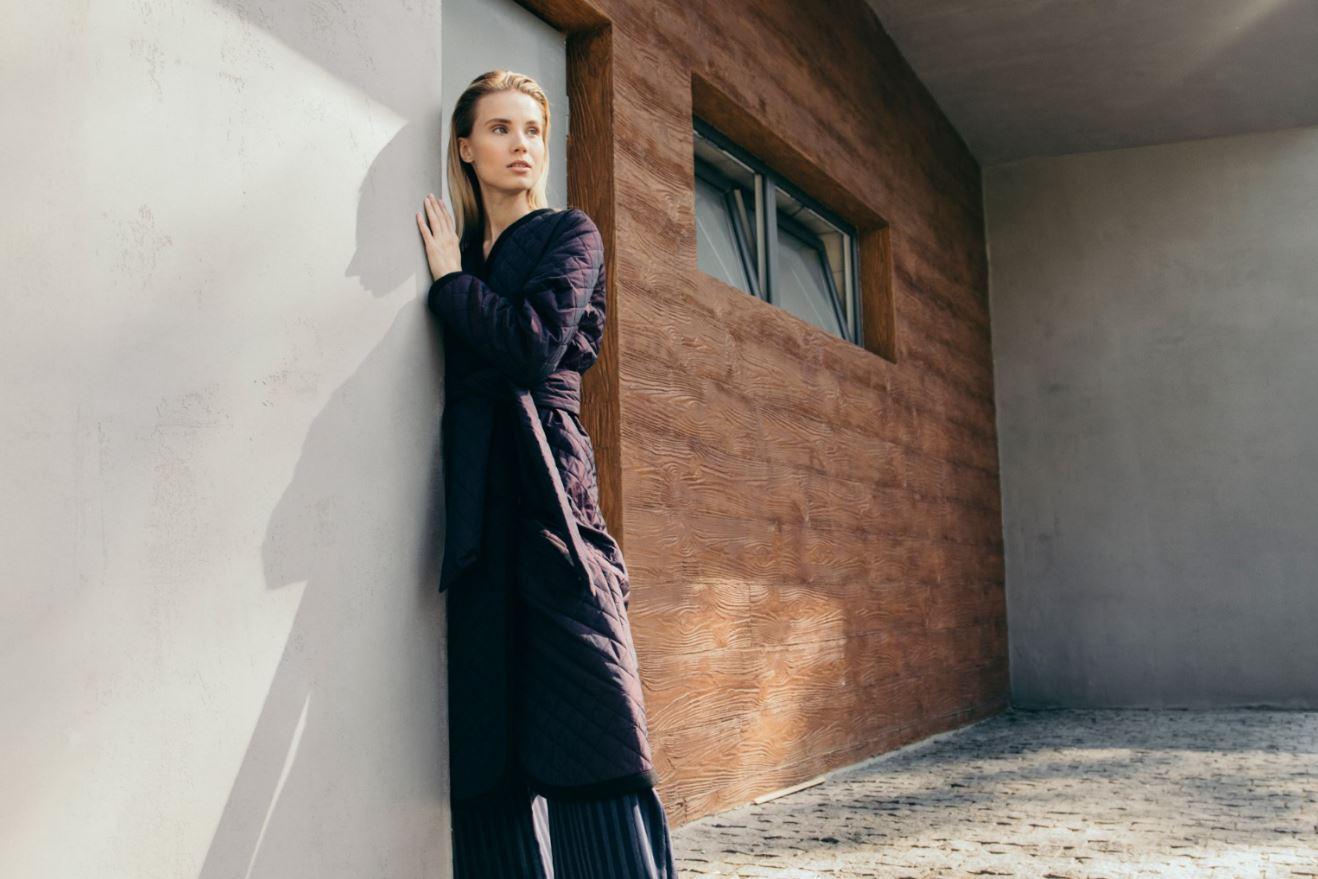 Девушка, пальто, город: 10 трендов этой осени-Фото 5