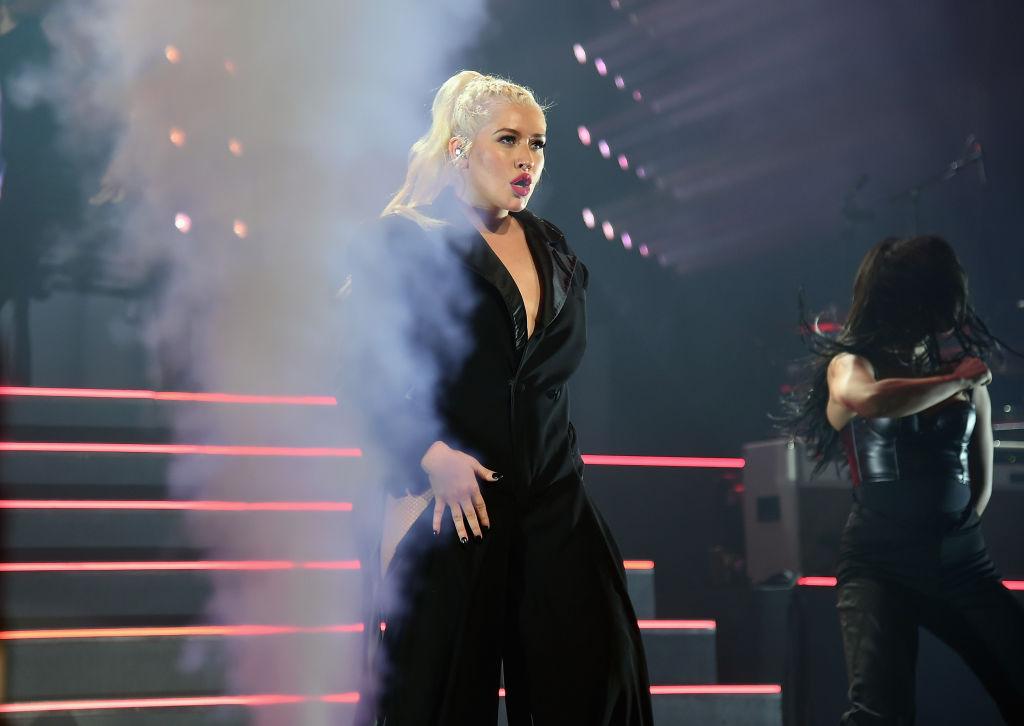 Кристина Агилера отменяет концерты: Певица потеряла голос-Фото 1