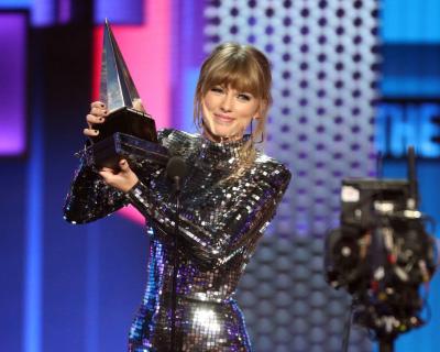 American Music Awards 2018: Победители и звездные гости-430x480
