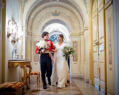 Испанский аристократ Фернандо Фитц-Джеймс женился на PR-менеджере-430x480