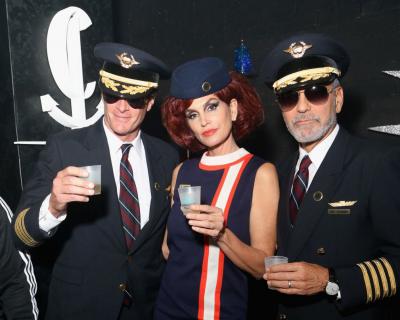Звездный Хэллоуин: Какие костюмы выбрали Клуни, Кроуфорд и другие-430x480