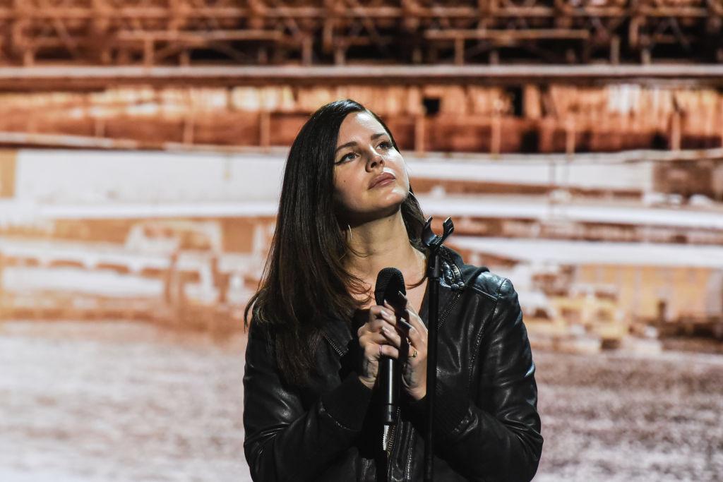 Лана Дель Рей презентовала новую песню-320x180