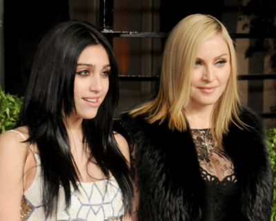 Мадонна трогательно поздравила дочь с днем рождения-430x480