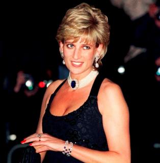 Модная бунтарка: как принцесса Диана нарушала королевские традиции