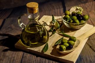 Правильный выбор: какое оливковое масло должно быть на вашей кухне?