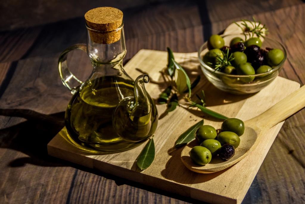 Правильный выбор: какое оливковое масло должно быть на вашей кухне?-320x180