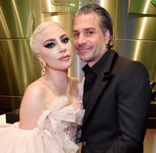 Скоро свадьба: Леди Гага подтвердила помолвку с менеджером