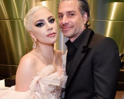 Скоро свадьба: Леди Гага подтвердила помолвку с менеджером-430x480
