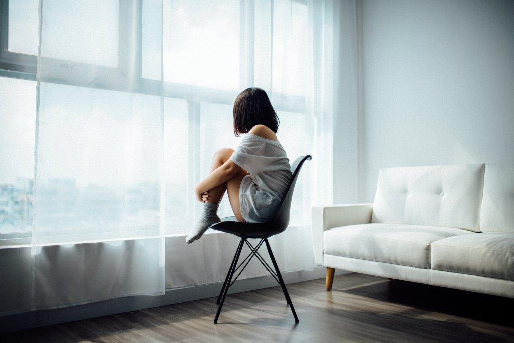 5 причин, почему вы не можете прийти в себя после расставания-320x180