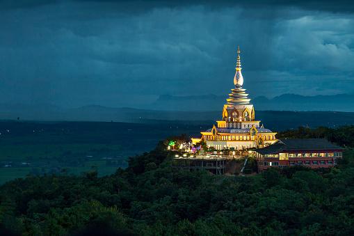 7 азиатских городов, которые обязательно стоит посетить-320x180
