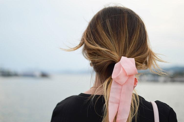 8 неправильных действий, которые портят волосы-Фото 2