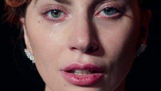 Леди Гага стала волонтером Красного Креста в Калифорнии-320x180