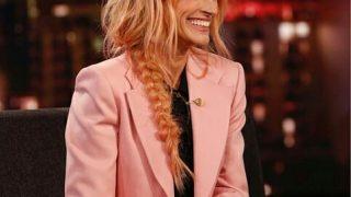 Джулия Робертс перекрасилась в розовый цвет-320x180