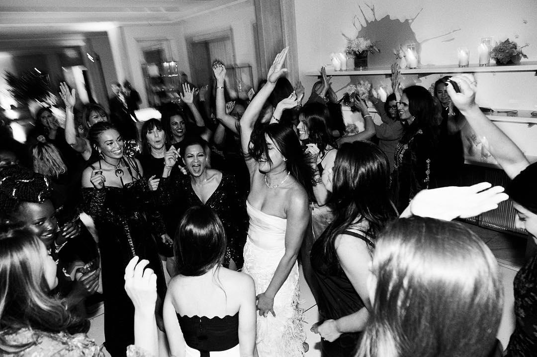 С размахом: Как Прянка Чопра отпраздновала свой девичник-Фото 4