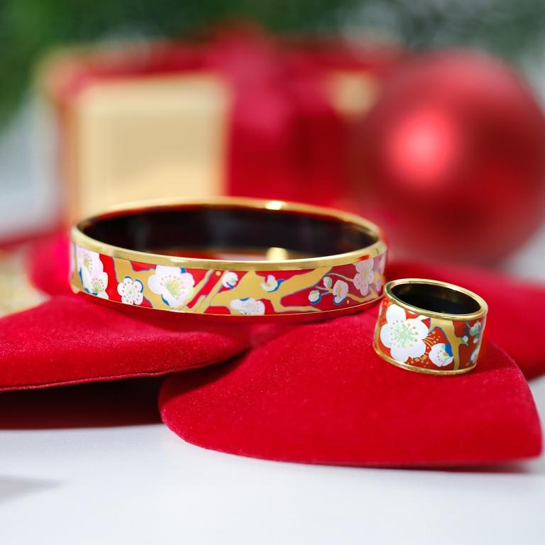 Подарок со вкусом: ювелирные украшения на Новый год-Фото 11