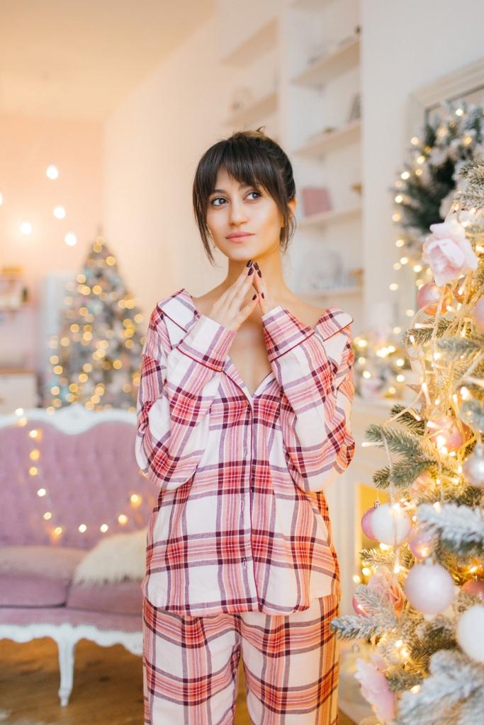 Посиделки дома: 6 стильных пижам для новогодней ночи-Фото 1