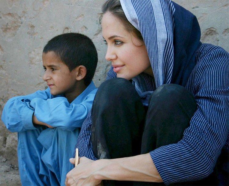 Анджелина Джоли подумывает о политической карьере-Фото 2