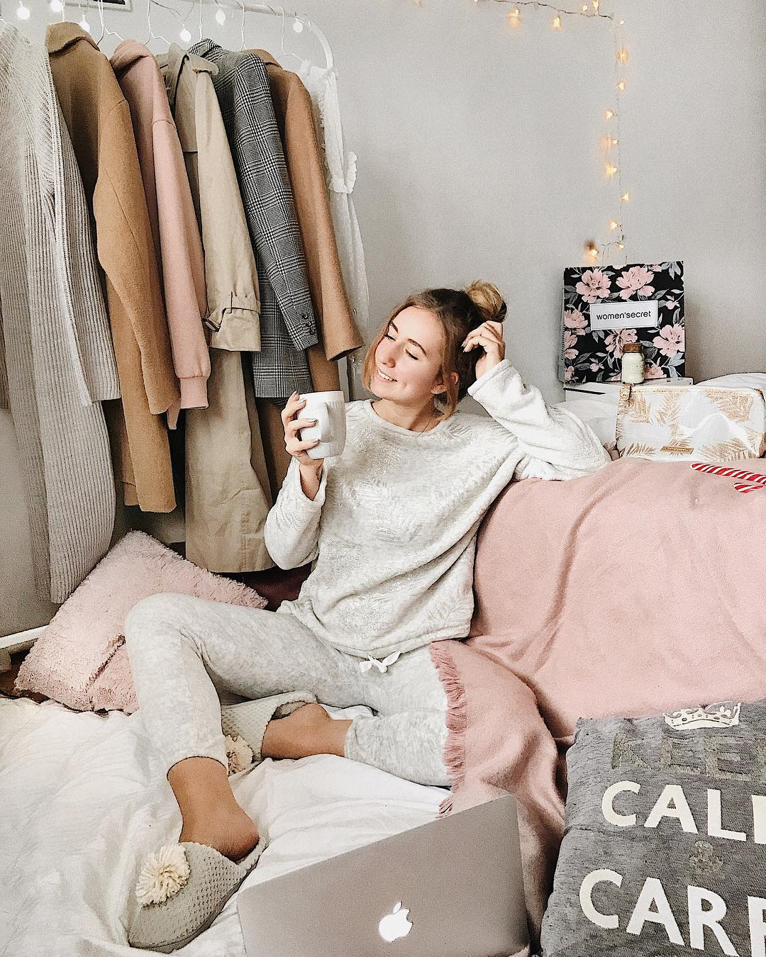 Посиделки дома: 6 стильных пижам для новогодней ночи-Фото 7