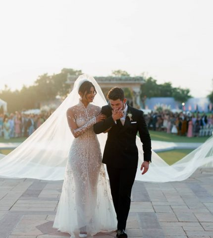 Два свадебных платья: В чем Прянка Чопра выходила замуж за Ника Джонаса-430x480