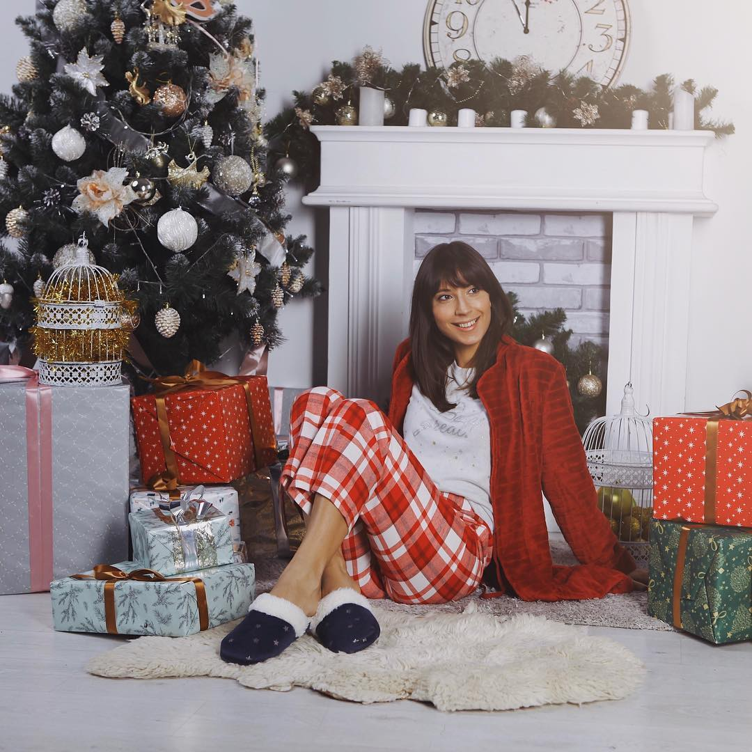Посиделки дома: 6 стильных пижам для новогодней ночи-Фото 4