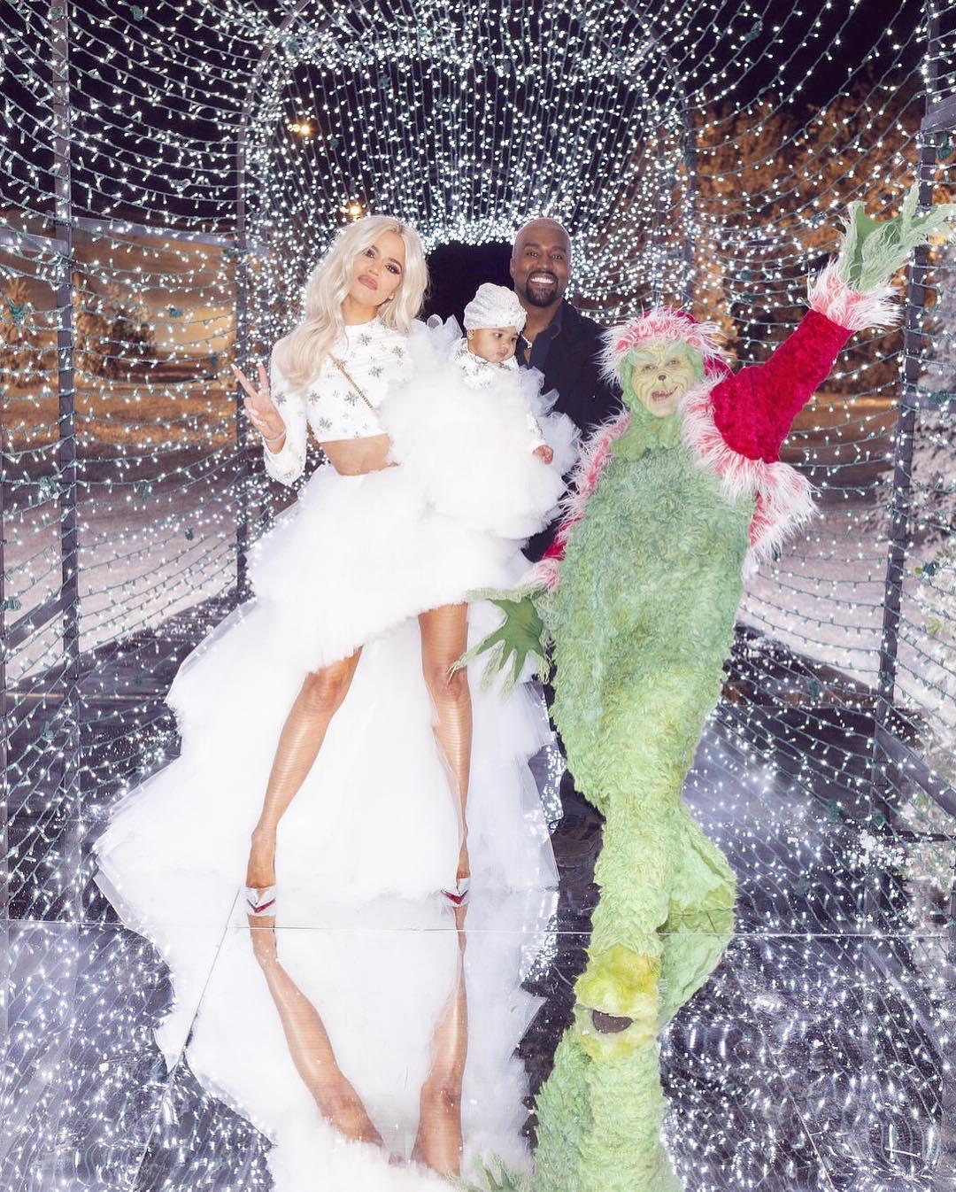 Как и с кем отмечали Рождество знаменитости в этом году-Фото 5