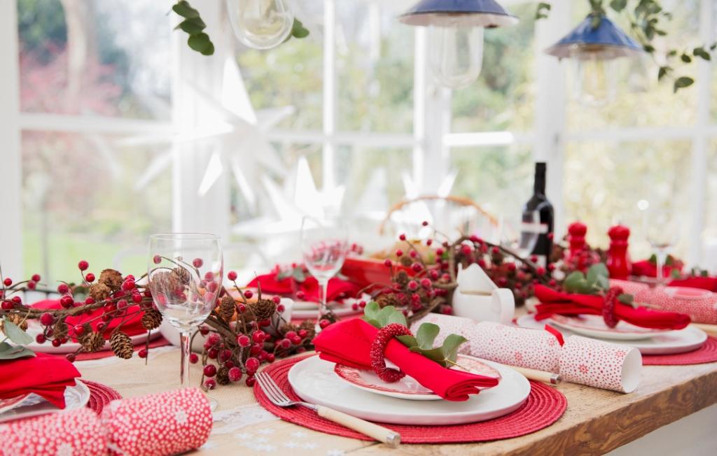 Стильно и празднично: 5 идей для декорирования новогоднего стола-Фото 4