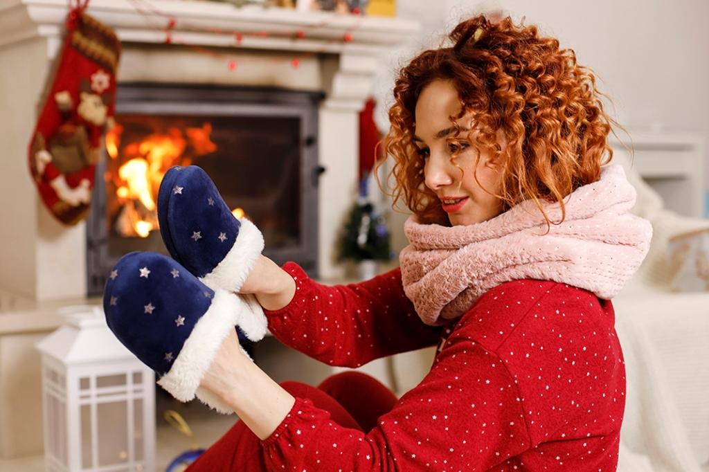 Посиделки дома: 6 стильных пижам для новогодней ночи-Фото 9