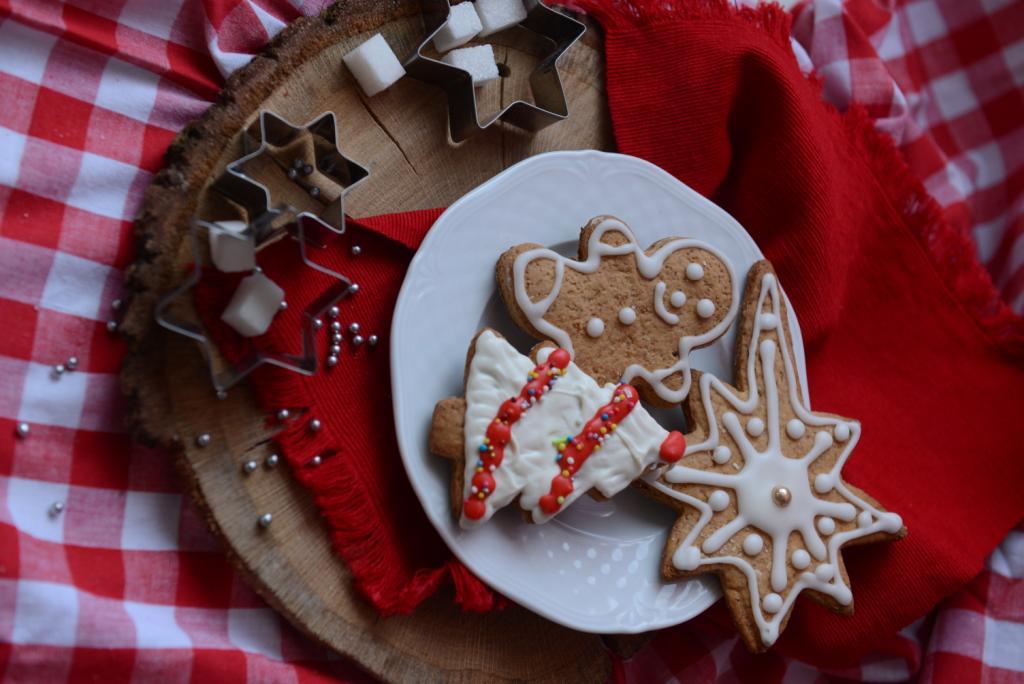 Стильно и празднично: 5 идей для декорирования новогоднего стола-Фото 2