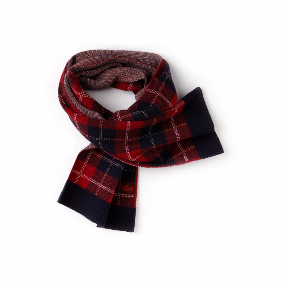 Теплый шарф: расставляем модный акцент в зимнем образе-Фото 15