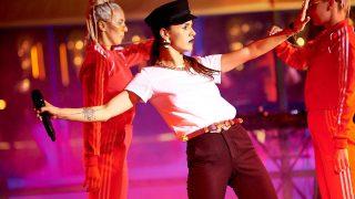 Фотоотчет: певица Zivert представила мини-альбом на сцене Guramma Modern Asia-320x180