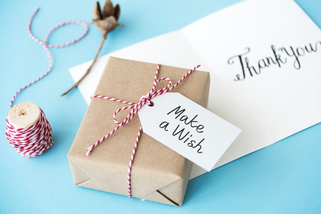 Подарок со вкусом: ювелирные украшения на Новый год