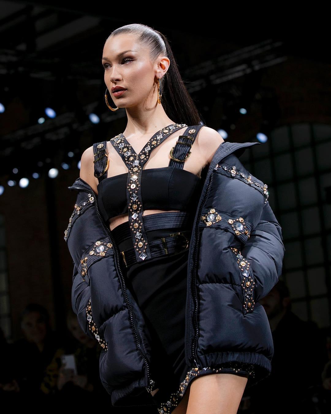 Неделя мужской моды в Милане: Джиджи Хадид, Кайя Гербер и другие на подиуме-Фото 5