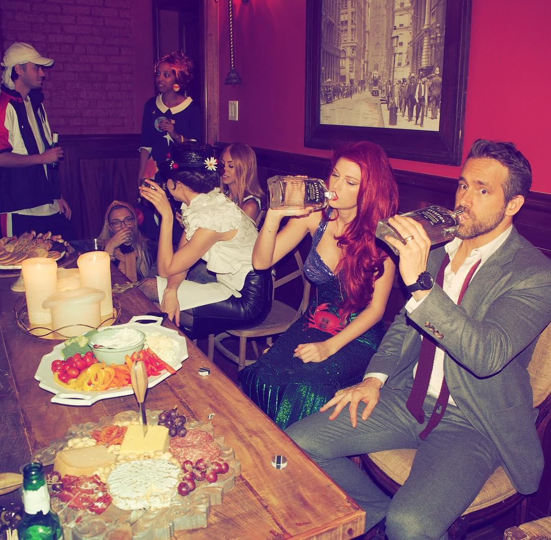 Тейлор Свифт устроила костюмированную вечеринку для своих звездных друзей-Фото 4