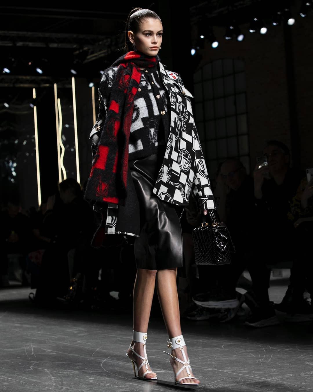 Неделя мужской моды в Милане: Джиджи Хадид, Кайя Гербер и другие на подиуме-Фото 3