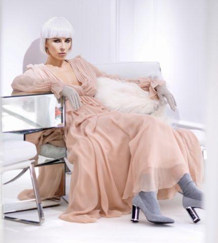 Нежная нота: как и с чем сочетать платья пастельных тонов-430x480