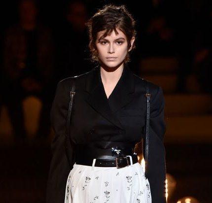 Неделя мужской моды в Милане: Джиджи Хадид, Кайя Гербер и другие на подиуме-430x480