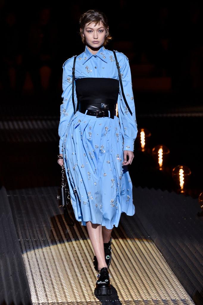 Неделя мужской моды в Милане: Джиджи Хадид, Кайя Гербер и другие на подиуме-Фото 1