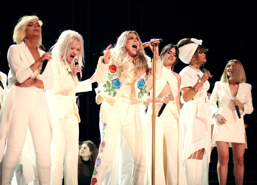 Самые странные и запоминающиеся моменты Grammy за всю историю-Фото 3