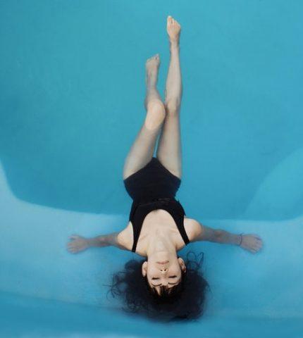 Все в бассейн: Плавание как эффективный способ похудеть-430x480