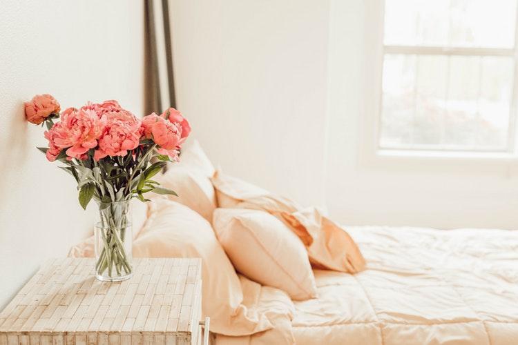 По фэн-шую: Как правильно обустроить свою спальню для хорошего сна-Фото 3