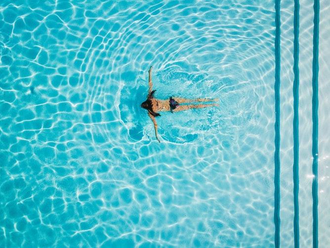Все в бассейн: Плавание как эффективный способ похудеть-Фото 1