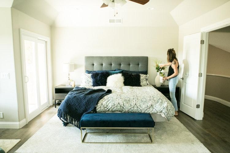 По фэн-шую: Как правильно обустроить свою спальню для хорошего сна-Фото 5