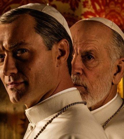 Как будет выглядеть «Новый Папа» с Джоном Малковичем и Джудом Лоу-430x480